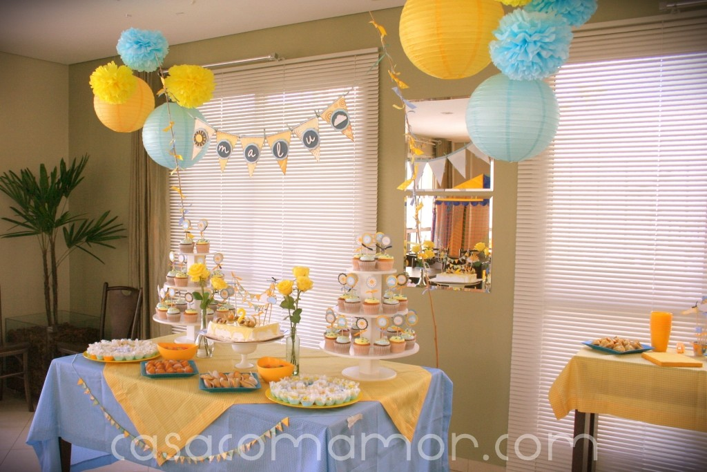 http://casacomamordotcom.files.wordpress.com/2011/05/festa-malu-decor-01