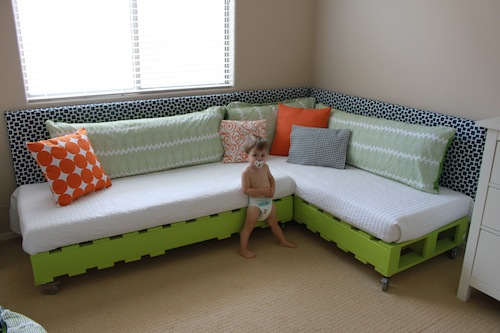 DIY Kids Pallet Bed