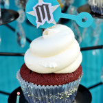 Rattle cupcake topper