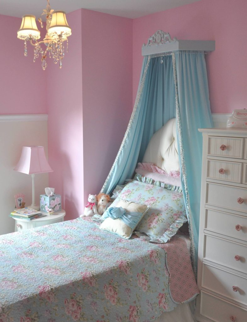She 39 s a big girl now princess room project nursery - Toddler bed decorating ideas ...