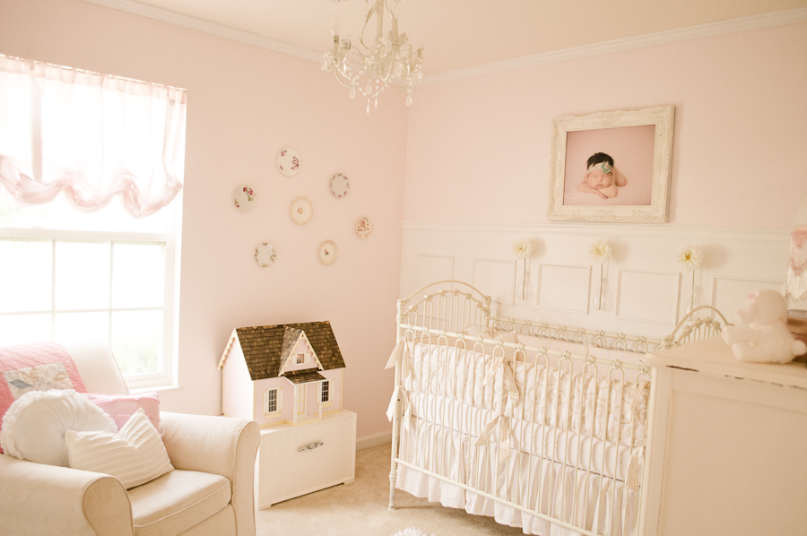 Readers 39 favorite vintage pink and white nursery for Baby pink bedroom ideas