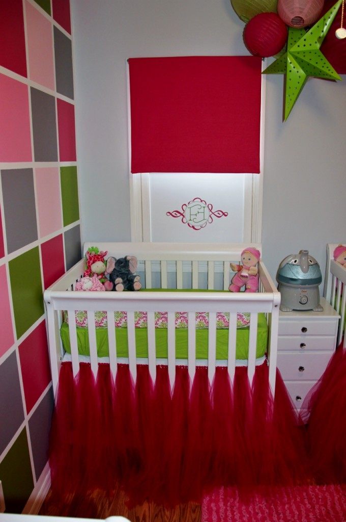 Mini Crib with Tutu Bed Skirt
