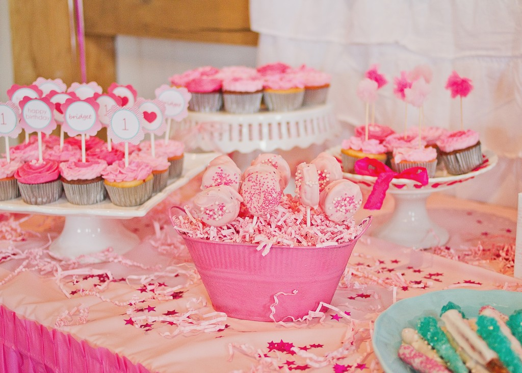 Pink Ombre Birthday Party Desserts
