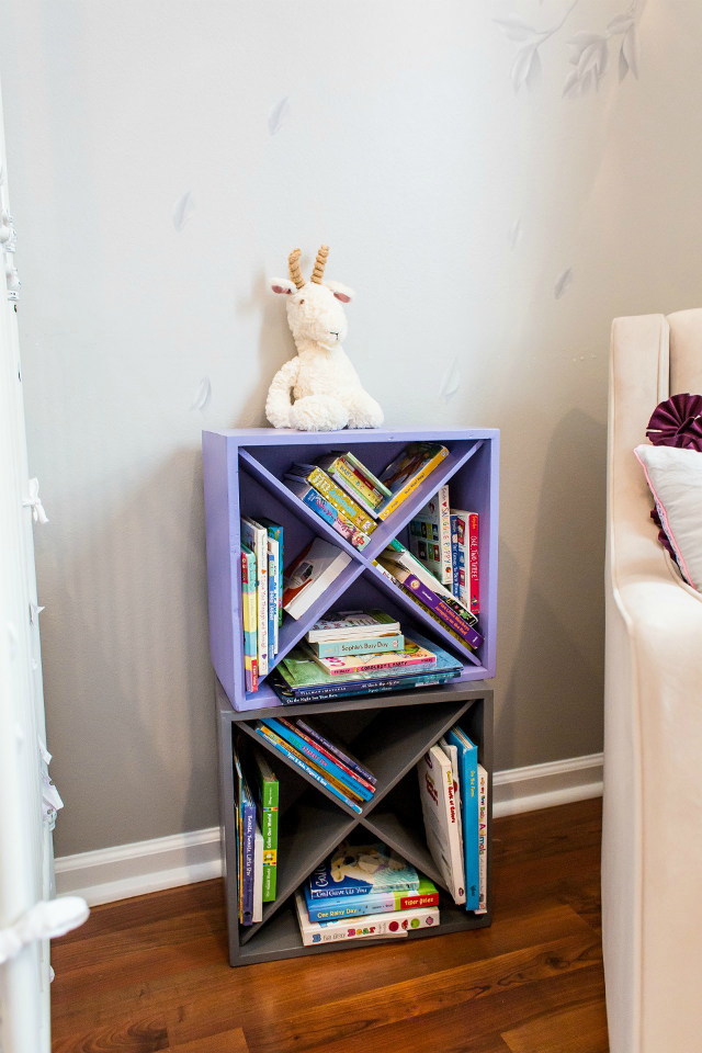 DIY Wine Crate Bookshelves