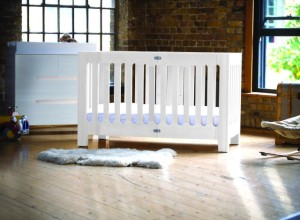 bloom Alma Max Folding Crib