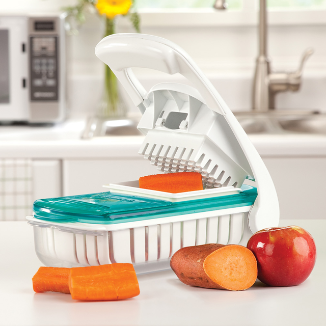 Fresh Food Chopper from Munchkin