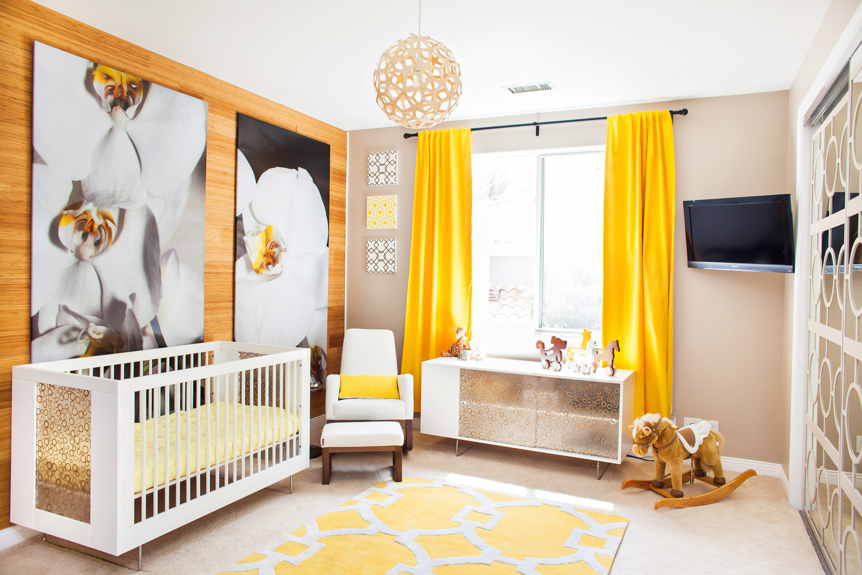 Celebrity design reveal kendra wilkinson 39 s nursery for Modern nursery decor