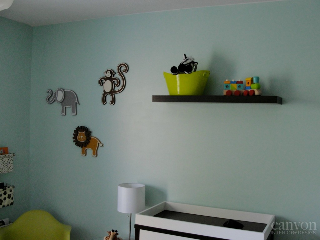 nursery-changing table wall CID