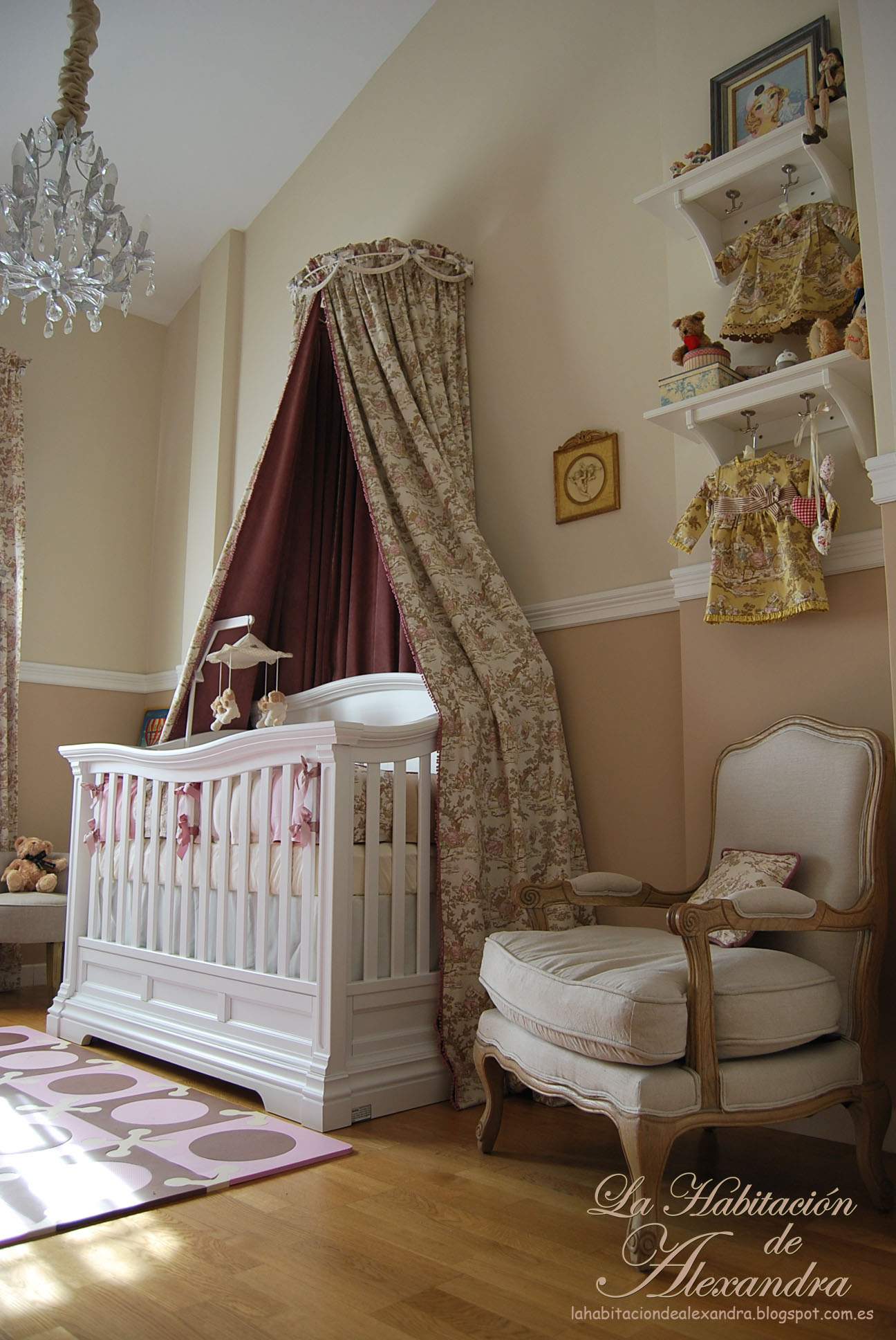 alexandra 39 s classic and shabby chic nursery project nursery. Black Bedroom Furniture Sets. Home Design Ideas