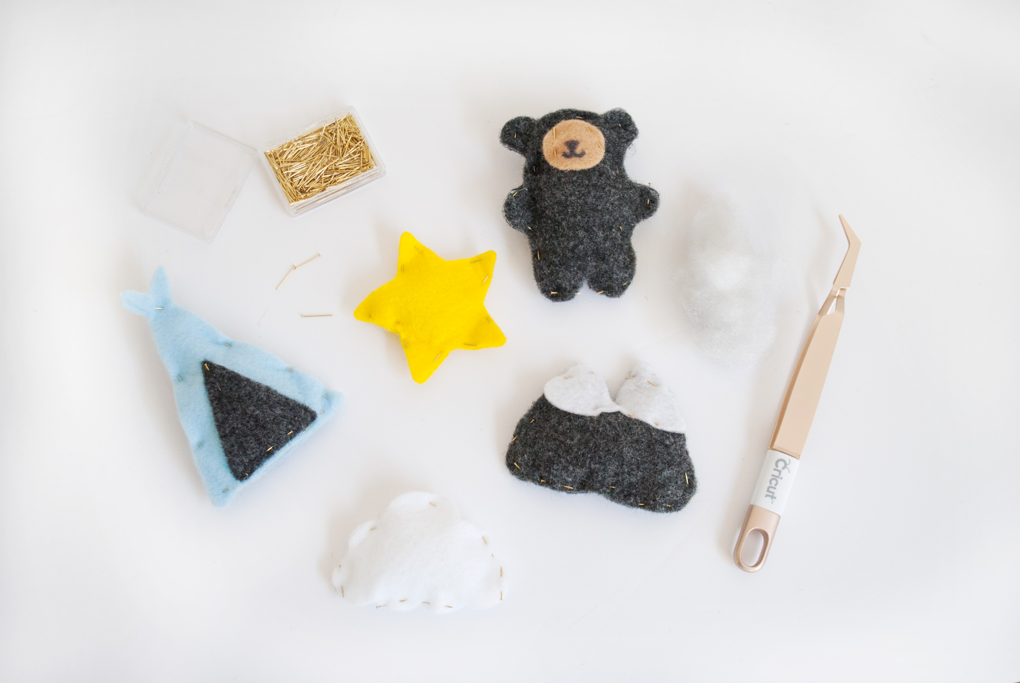 Felt Baby Mobile Tutorial
