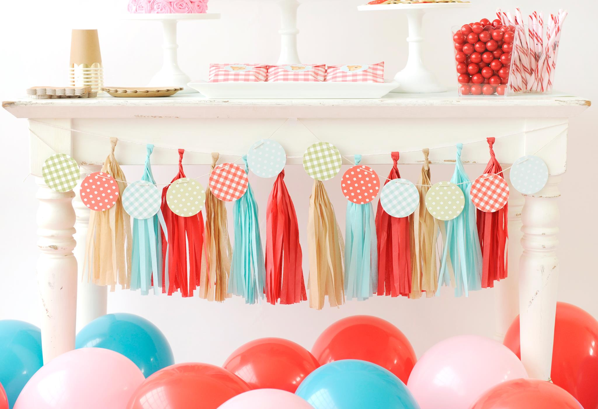 Red, Teal and Gold Party Decor