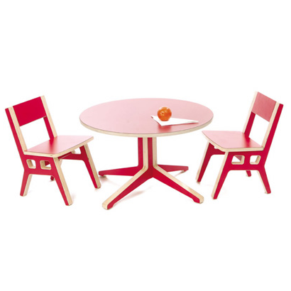 Context red play table set