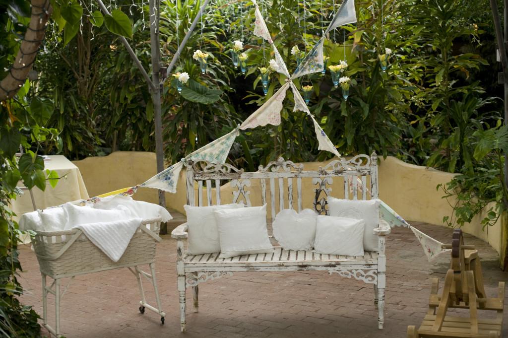 Gender Neutral Baby Shower Garden Chair