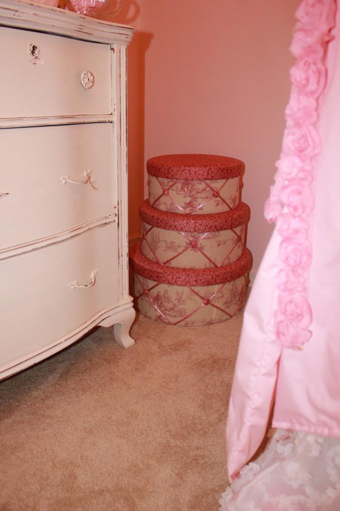 Vintage Glam Girl Nursery Hat Boxes