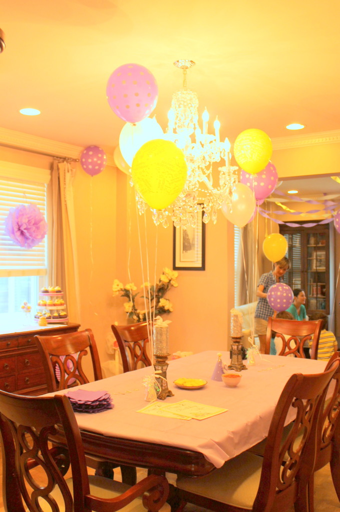 Winnie the Pooh Birthday Party Balloons
