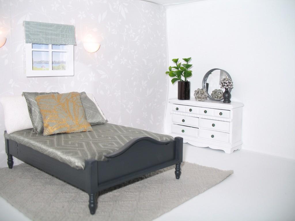 DIY Dollhouse Bedroom