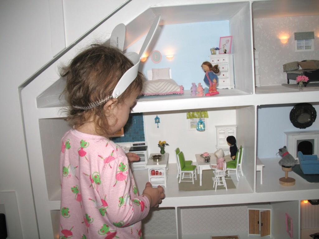 DIY Dollhouse Little Girl