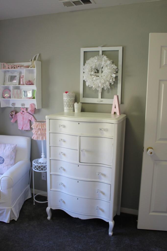 White Vintage Dresser