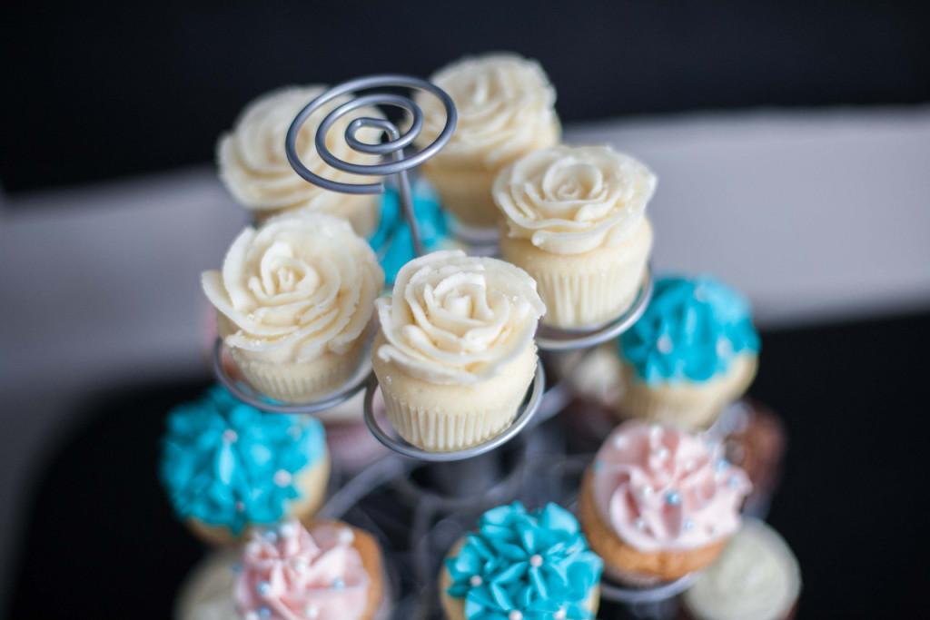 Pink, Aqua and Gold Cupcakes