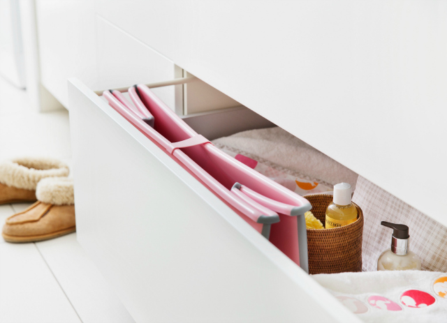 Folded Stokke Flexi Bath Pink