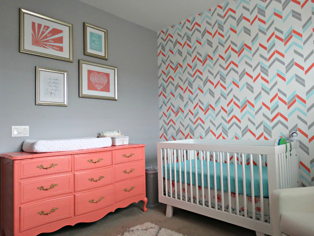 noelle 39 s coral aqua and gray nursery with gold accents. Black Bedroom Furniture Sets. Home Design Ideas