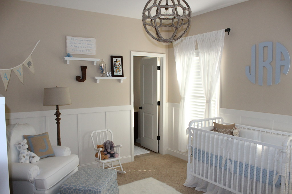 Beige and white neutral nursery for baby boy project nursery - Idee deco chambre petit garcon ...