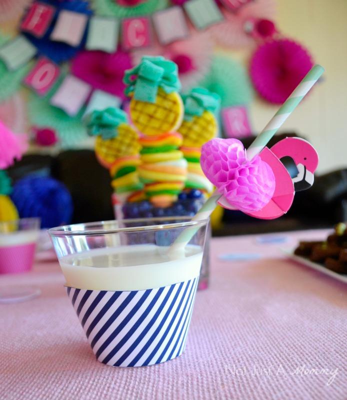 Quick Diy Dollar Tree Bathroom Decor 2 For 5 Youtube: Flamingo + Pineapple Party