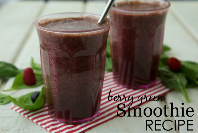 Weelcious Berry Green Smoothie