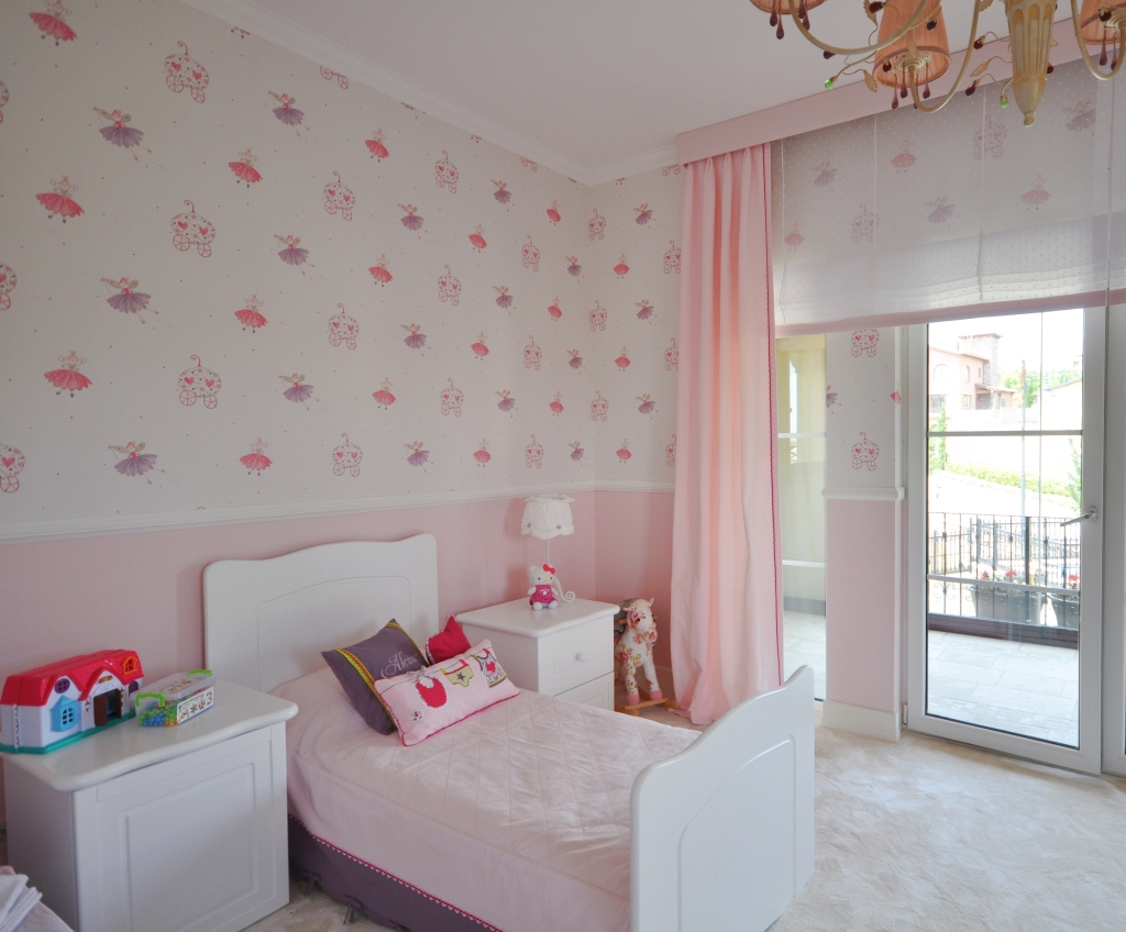 Ordinaire 5/5; Pink And Purple Toddler Room