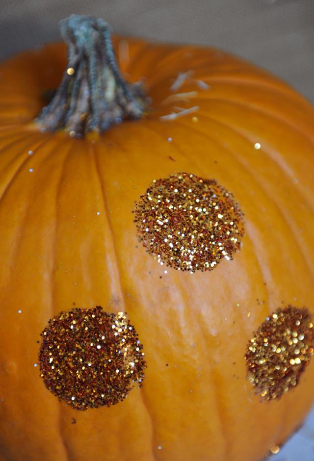 DIY Polka Dot Glittering Pumpkin