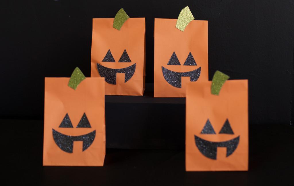 Jack-O'-Lantern Paper Bags