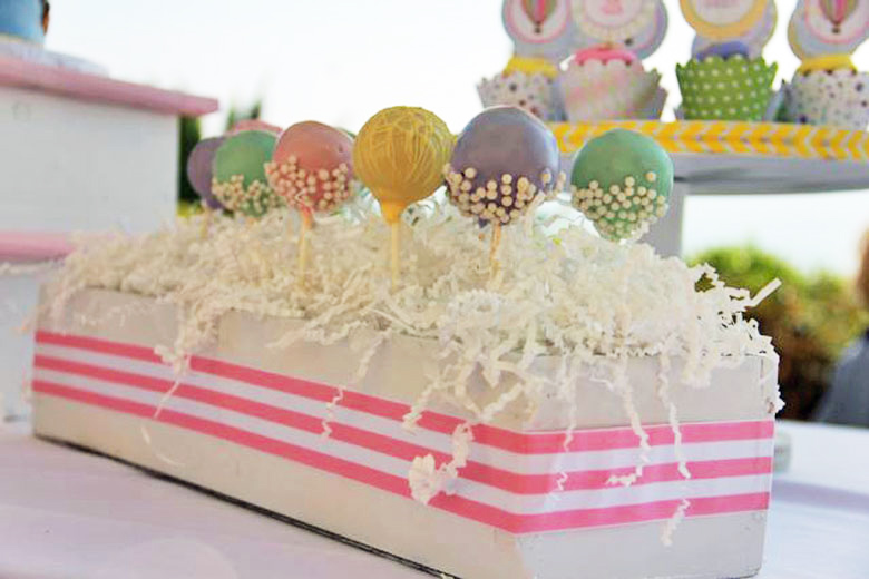 Pastel Cake Pops for this Hot Air Balloon Birthday Party