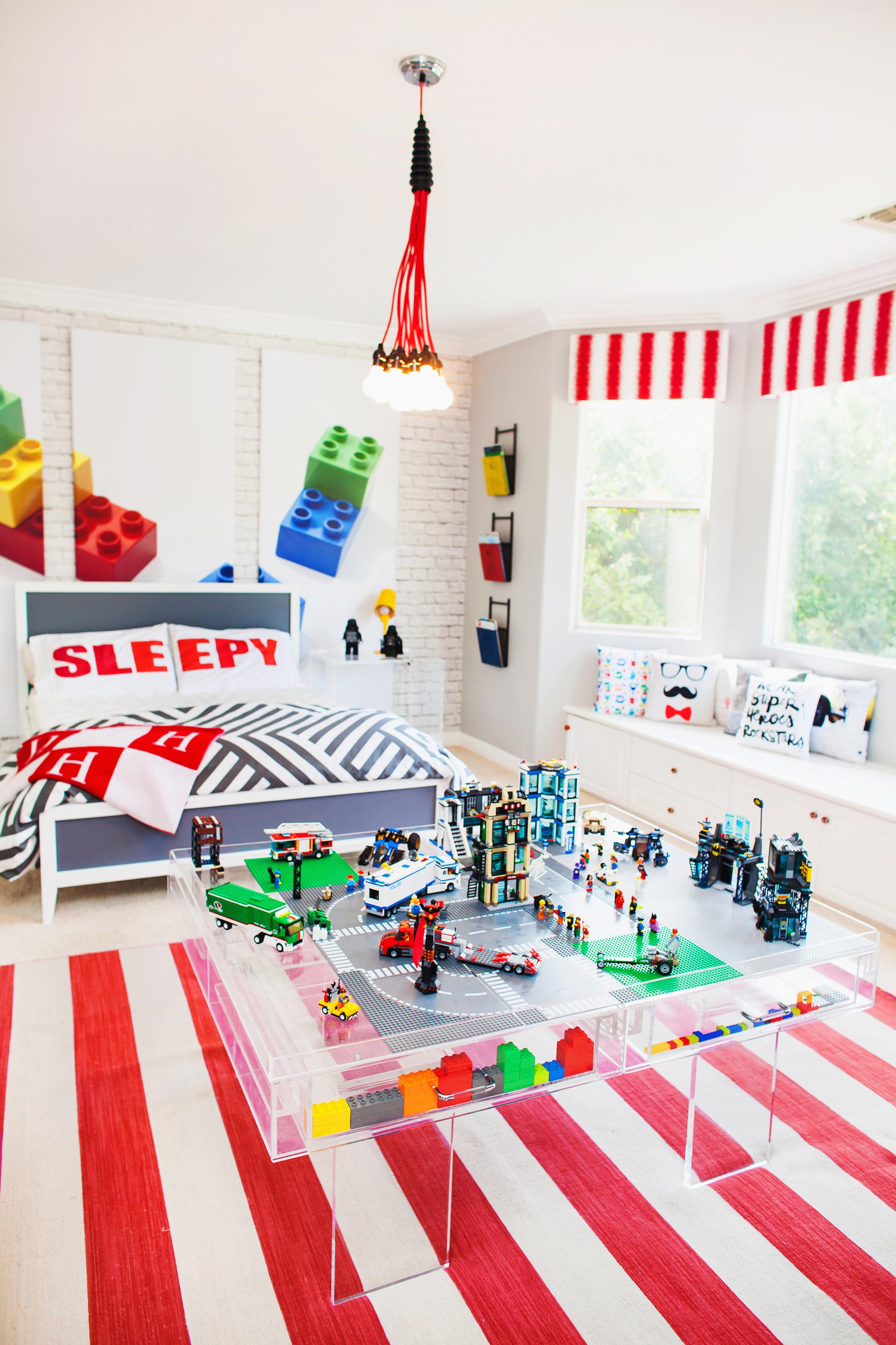 Kendra Wilkinson's Son's Lego Room