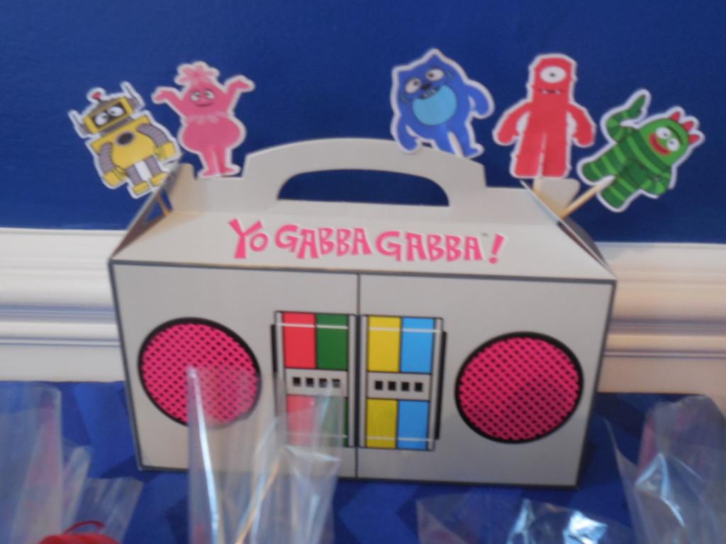 Yo Gabba Gabba Cardboard Radio