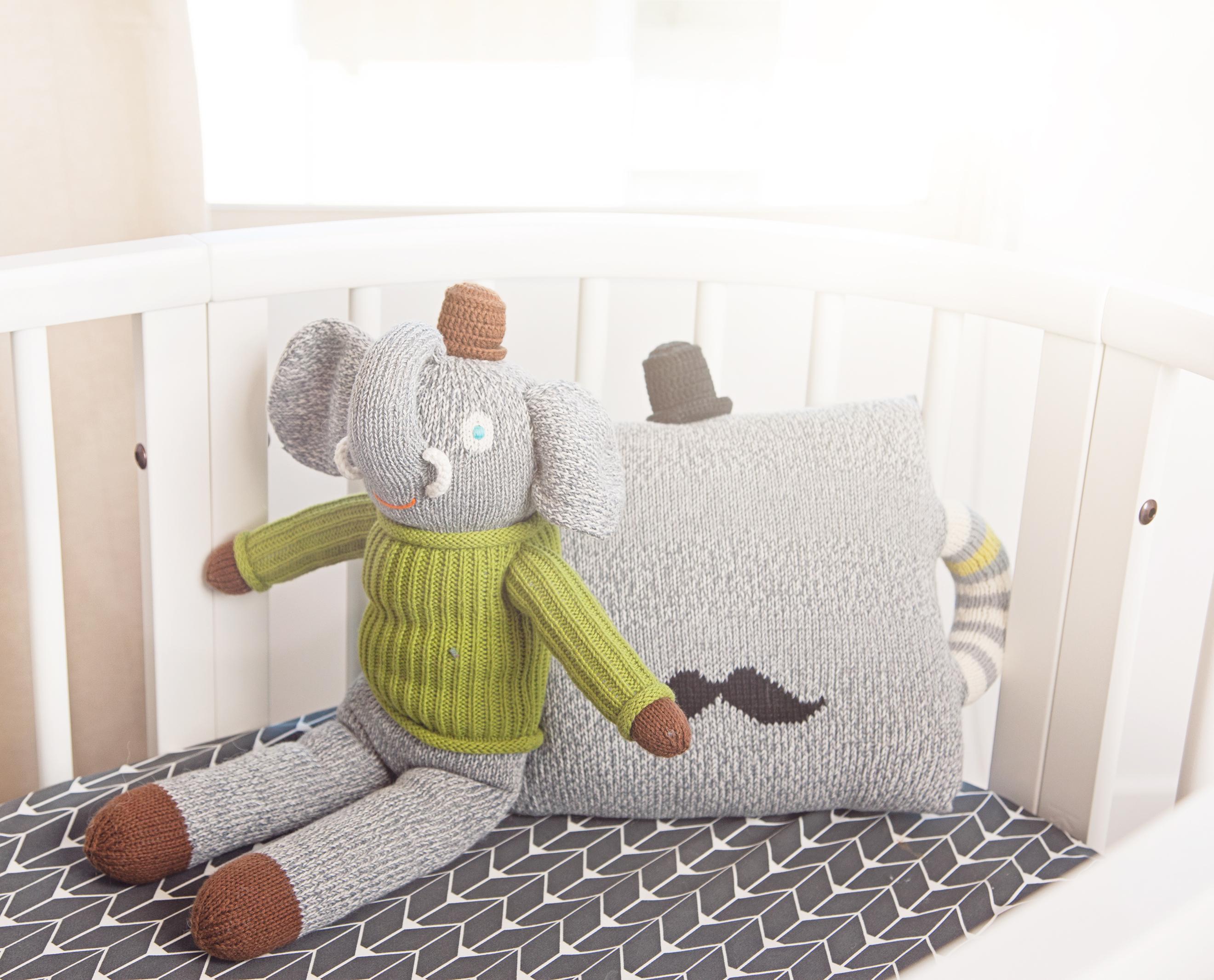 design reveal cara loren's nursery  project nursery - sleepi crib with oilo bedding and blabla toys