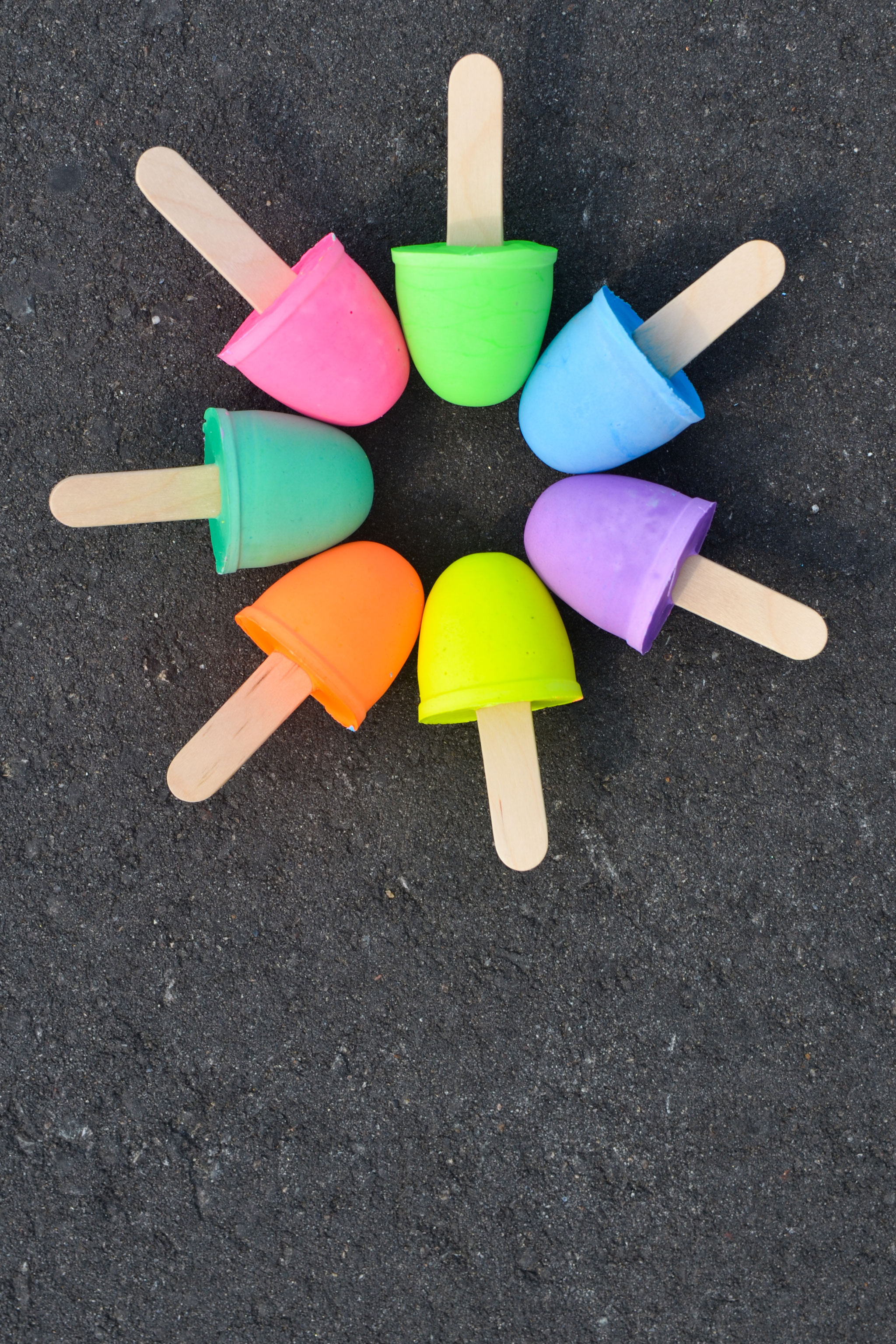 Mix up a batch of homemade sidewalk chalk - Project Nursery