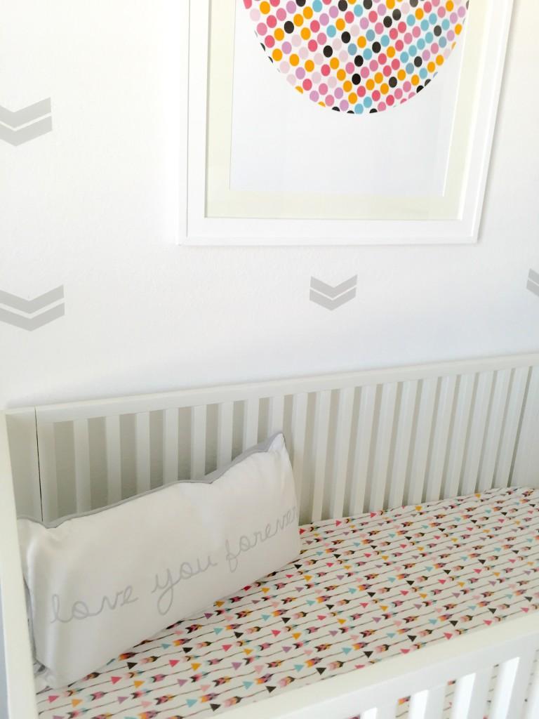 Colorful Arrow Crib Sheet