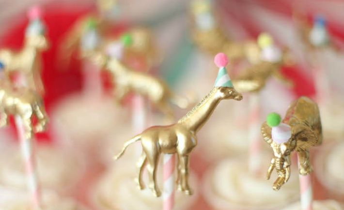 DIY Gold Animal Cupcake Toppers