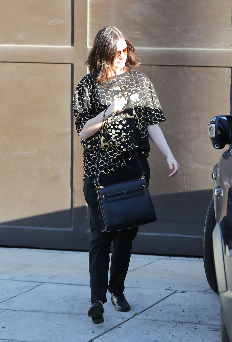 Anne Hathaway's Maternity Style