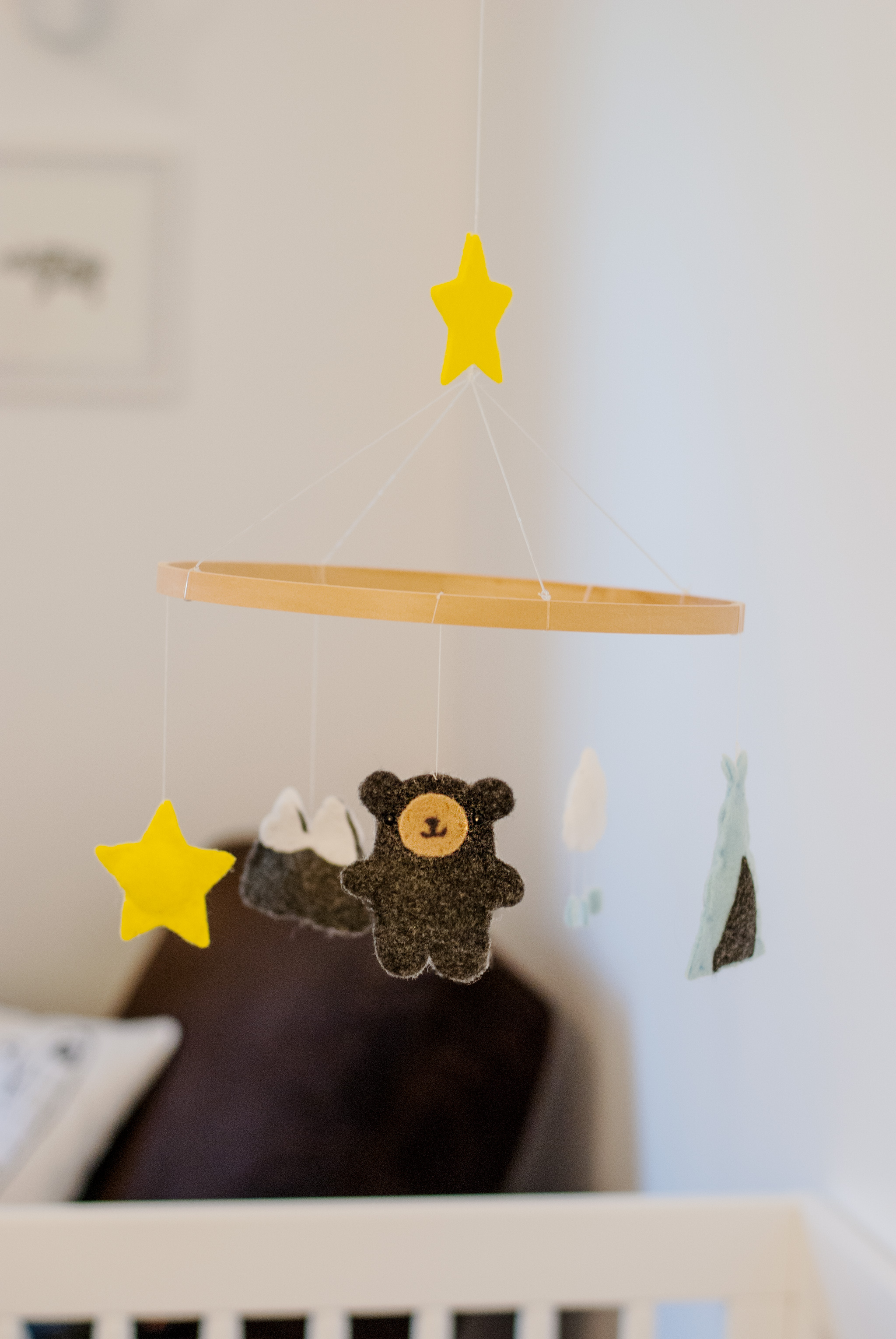 DIY No-Sew Felt Baby Mobile
