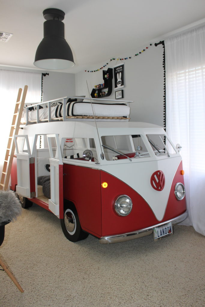 VW Bus Monochrome Superhero Big Boy Room
