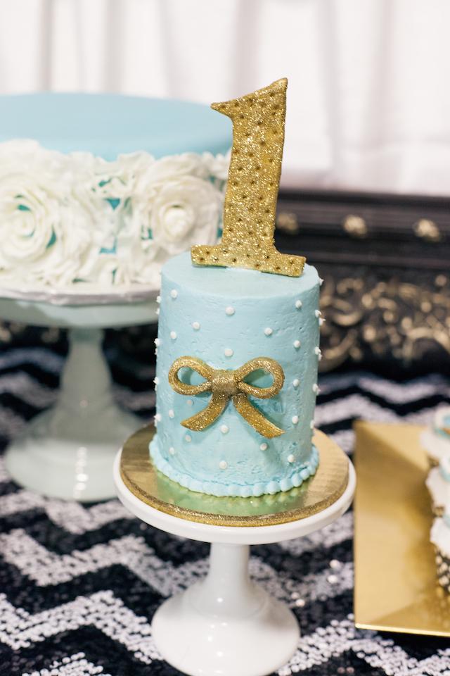 Breakfast at Tiffany's Smash Cake