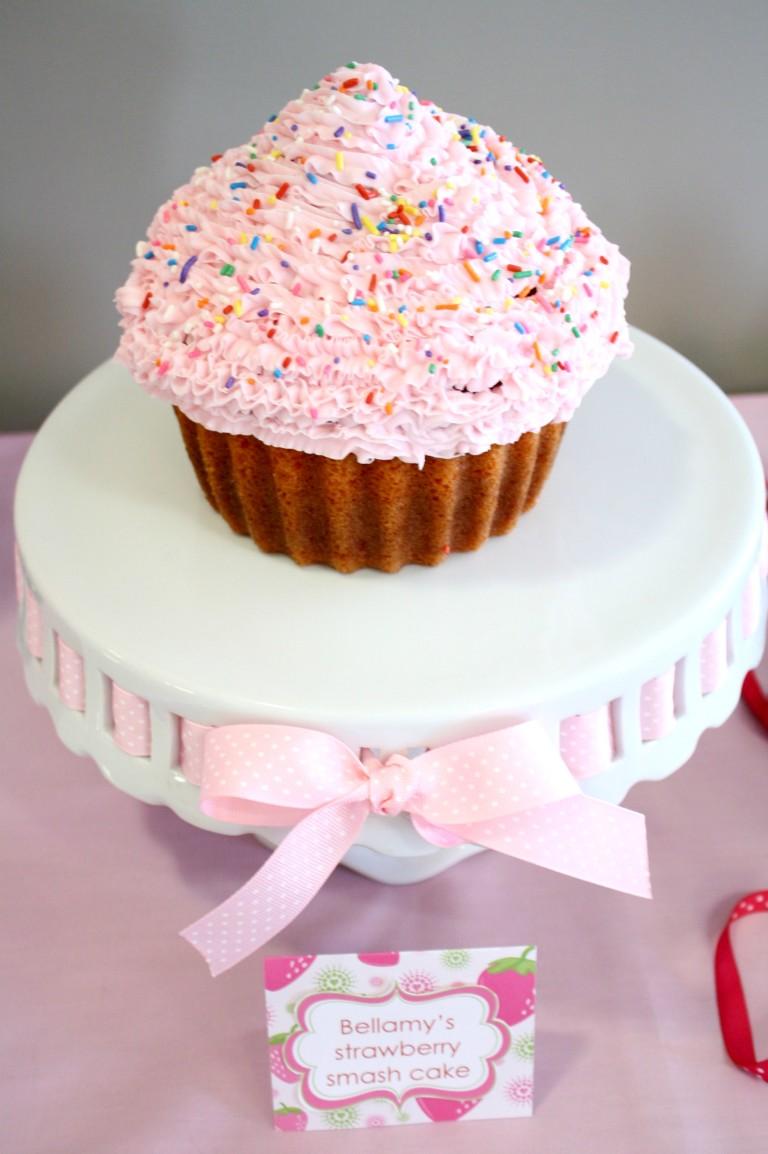 How To Make Giant Cupcake Smash Cake