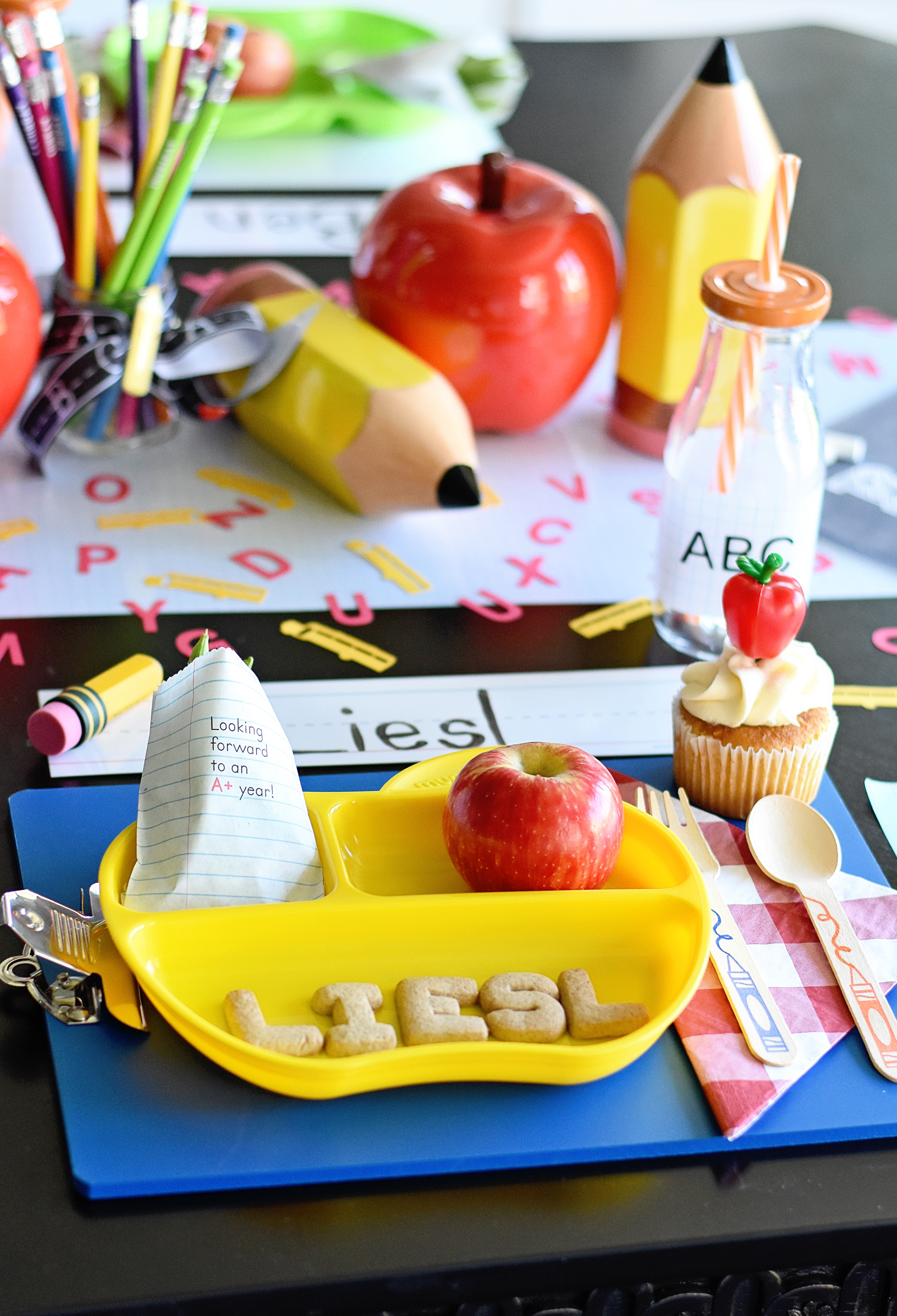 Back to School Party Table Setting