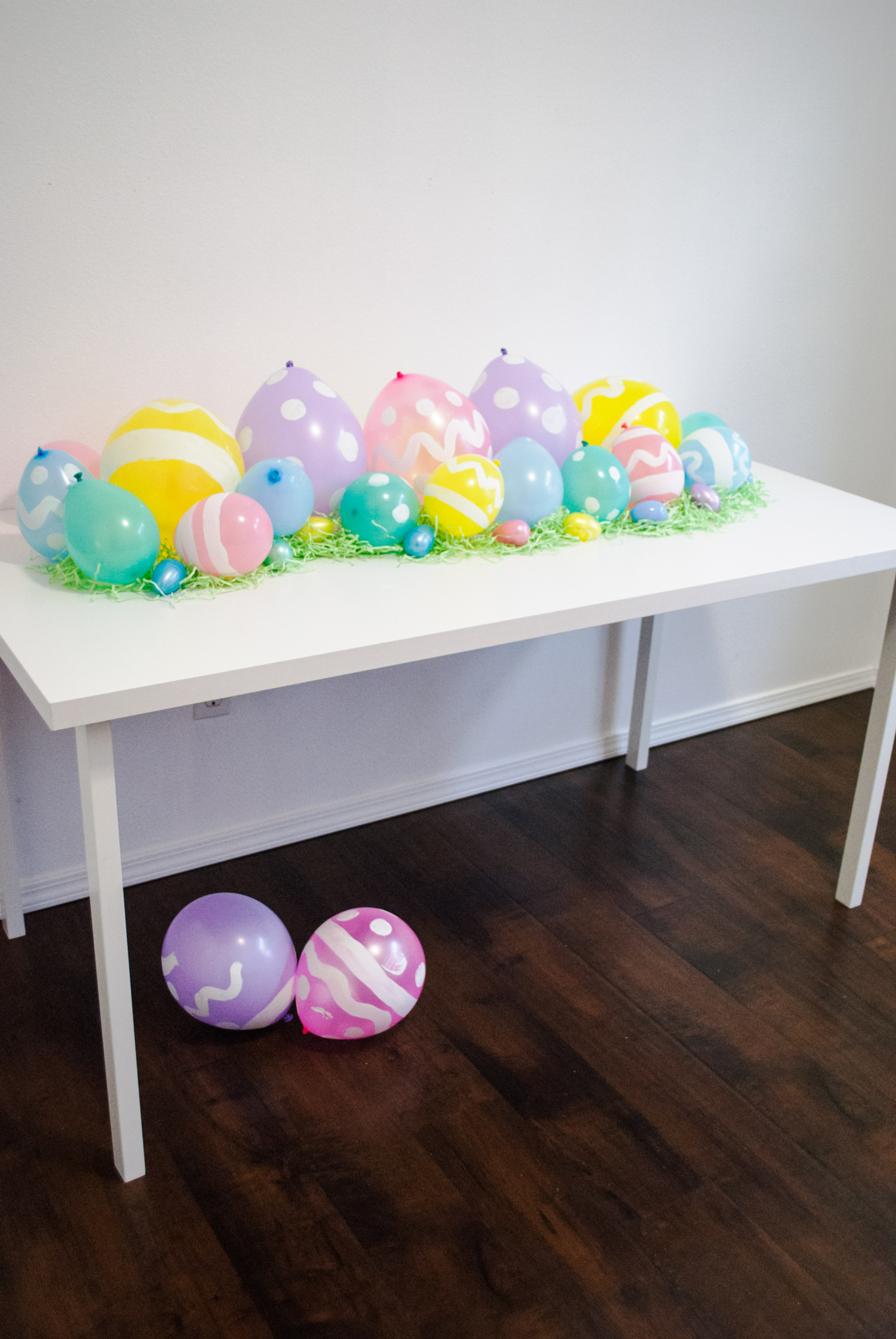 DIY Easter Egg Balloon Table Runner - Project Nursery