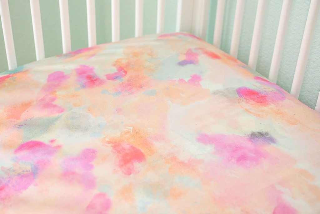 Good Watercolor Dreams Crib Sheet