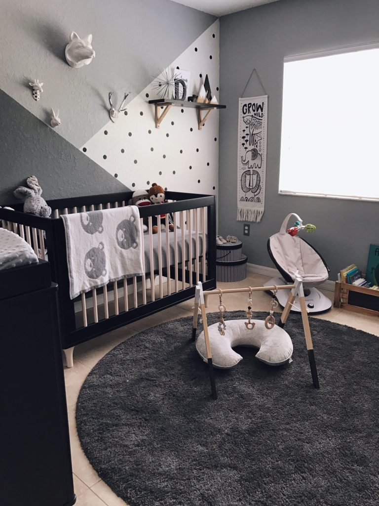 Monochrome-Zoo-Nursery-Black-and-White-DEcor.jpg