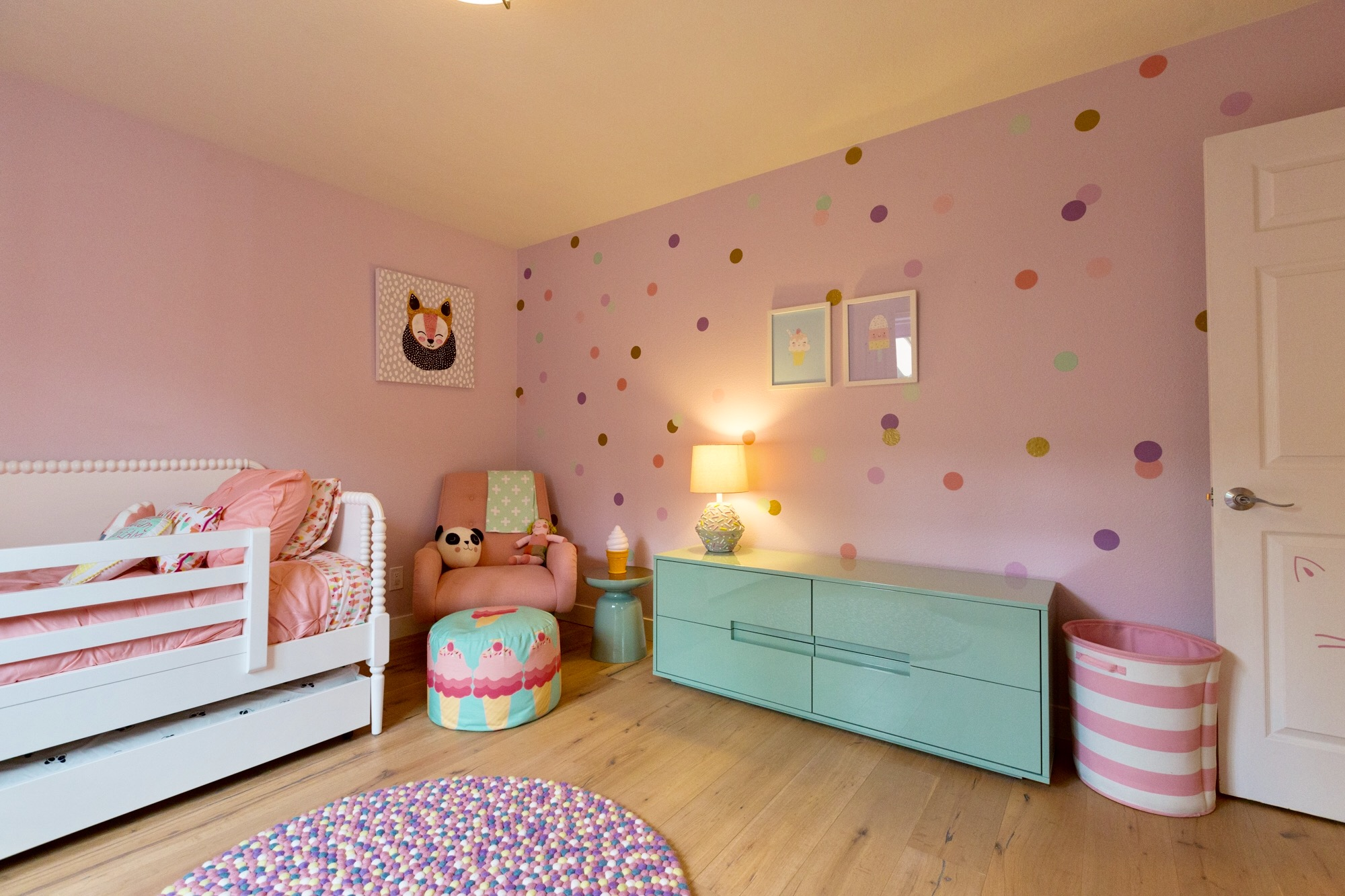 Teenage Rooms: Pretty Pink Sprinkles Girls Room