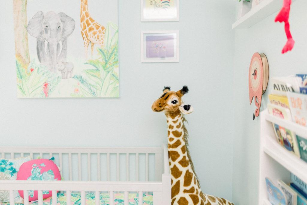 giraffe-nursery-decor