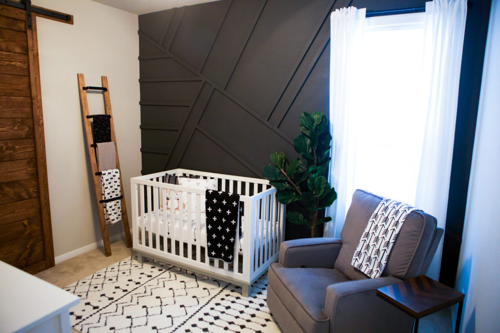Black 3D Accent Wall in Modern Nursery Design: @lollipopsandlightsabers